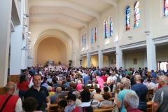 l'interno della chiesa di Medjugorje
