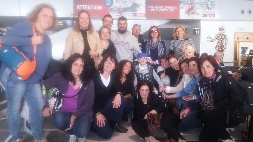 """I """" bambini pellegrini"""" del pellegrinaggio a Medjugorje del 29 marzo 2 aprile 2016 in aereo"""