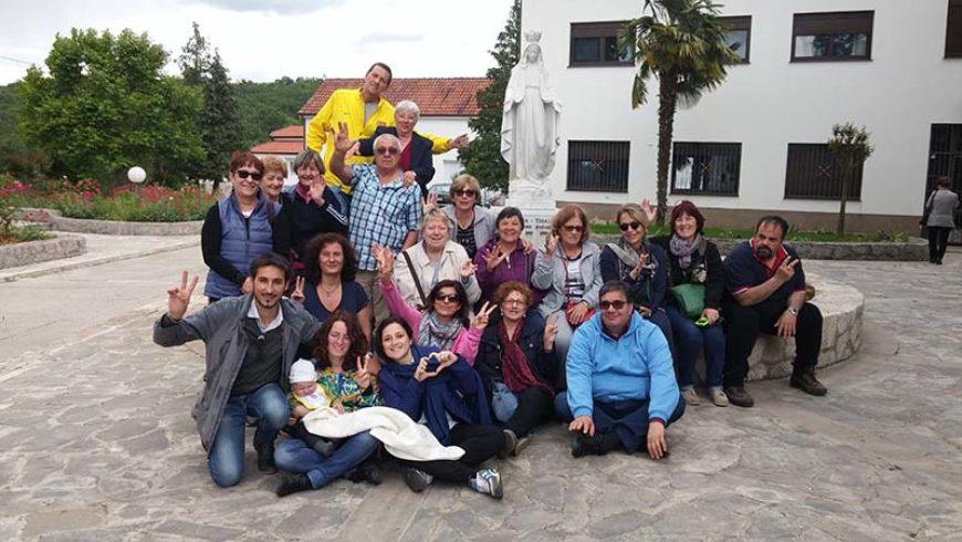 """I """" bambini pellegrini"""" del pellegrinaggio a Medjugorje del 13-18 maggio 2016"""