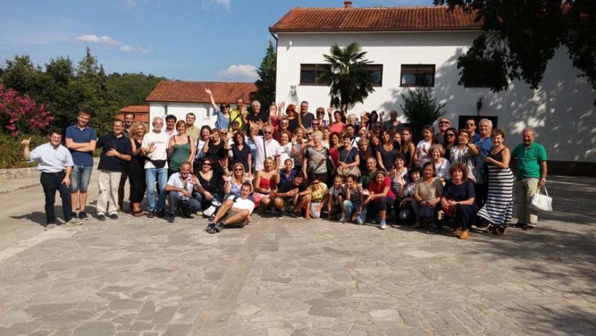 """I """"bambini pellegrini"""" del pellegrinaggio a Medjugorje del 30 agosto 4 settembre 2016"""