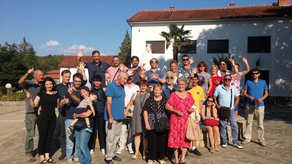 """I """"bambini pellegrini"""" del pellegrinaggio a Medjugorje del 11-16 agosto 2017 l'Assunta"""