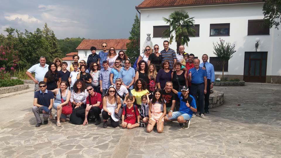 """I """"bambini pellegrini"""" del pellegrinaggio a Medjugorje in traghetto del 14 -19 agosto 2018 festa dell'Assunta"""